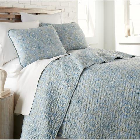 Vilano Ultra-Soft Paisley Grace 3-piece Quilt and Sham Set