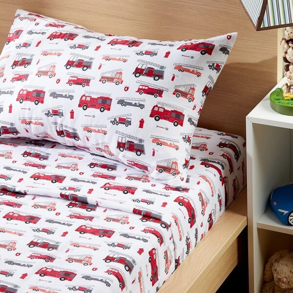 Shop Black Friday Deals On Porch Den Sonnet Kid S Fire Truck Pattern Cotton Flannel Sheet Set Size Queen Overstock 28424698