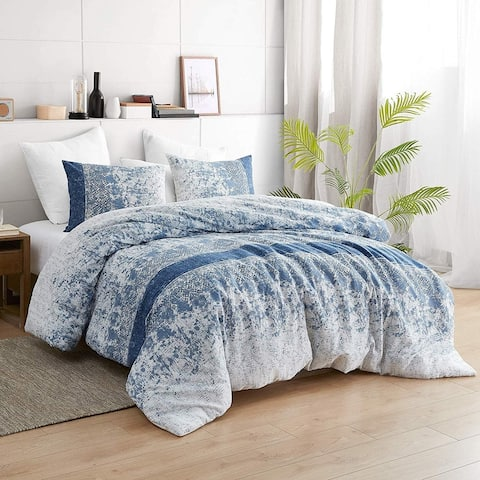 Distracted Blues Oversized Comforter