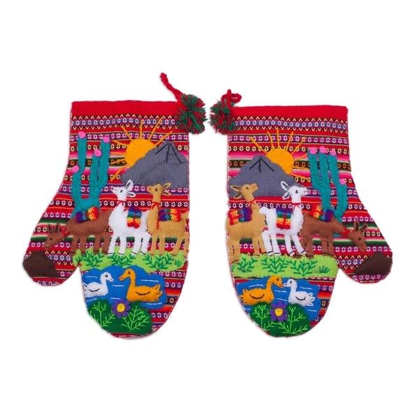 Llama Walk Cotton Arpillera Decorative Mitts (Pair)