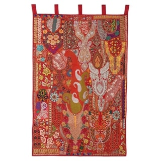 Handmade Paisley Bloom Recycled Cotton Blend Patchwork Wall Hanging (India)