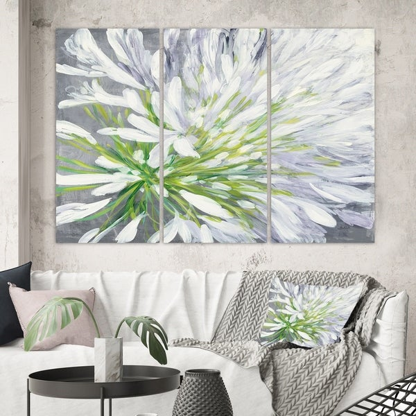 Designart 'Flower Cleome Splash II' Traditional Floral Gallery-wrapped Canvas