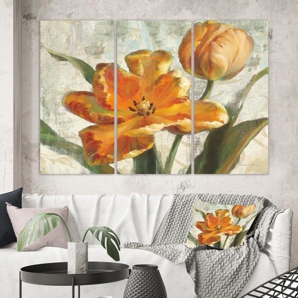 Designart 'Parrot Tulips I on Ivory' Cabin & Lodge Canvas Wall Art