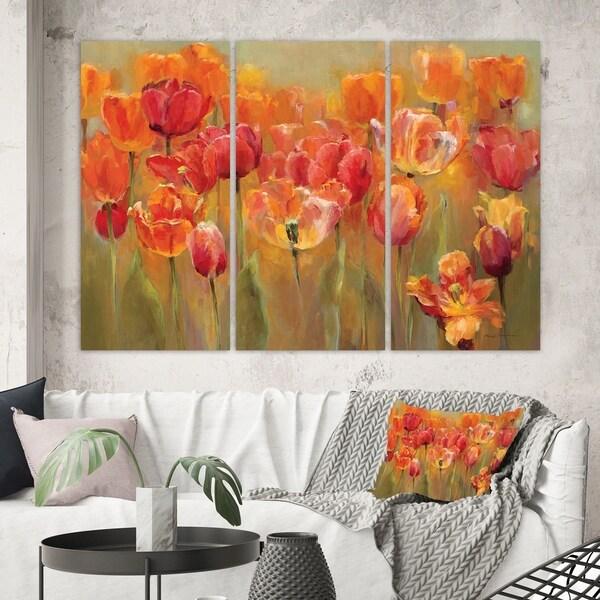 Designart 'Red Tulips' Traditional Gallery-wrapped Canvas