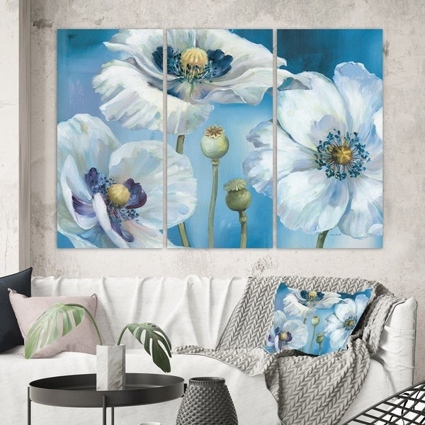 Designart 'White Flower on Blue II' Farmhouse Canvas Wall Art