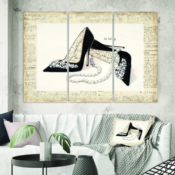 Designart 'Glamorous Black Diamond Stiletto I' Fashion Gallery-wrapped Canvas
