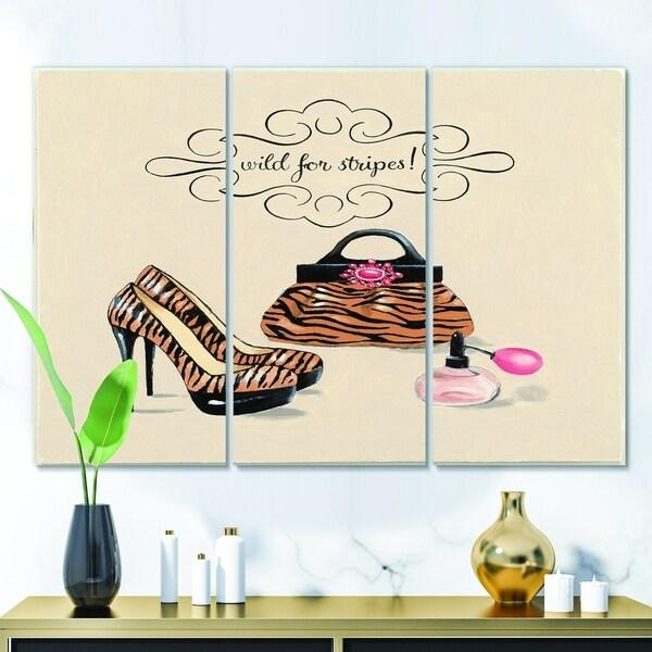 Designart 'Glam fashion handbags I' Fashion Gallery-wrapped Canvas