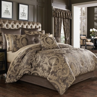 Link to Gracewood Hollow Lisako 4-piece Luxury Comforter Set Similar Items in Comforter Sets
