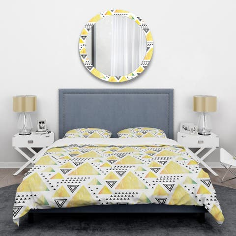 Designart 'Triangular Retro Design IV' Mid-Century Duvet Cover Set