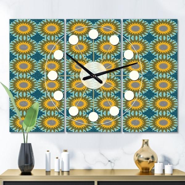 Designart 'Retro Circular Pattern I' Oversized Mid-Century wall clock - 3 Panels - 36 in. wide x 28 in. high - 3 Panels