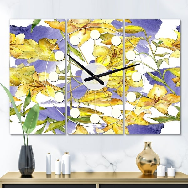 Designart 'Retro Handdrawn Poppies V' Oversized Mid-Century wall clock - 3 Panels - 36 in. wide x 28 in. high - 3 Panels