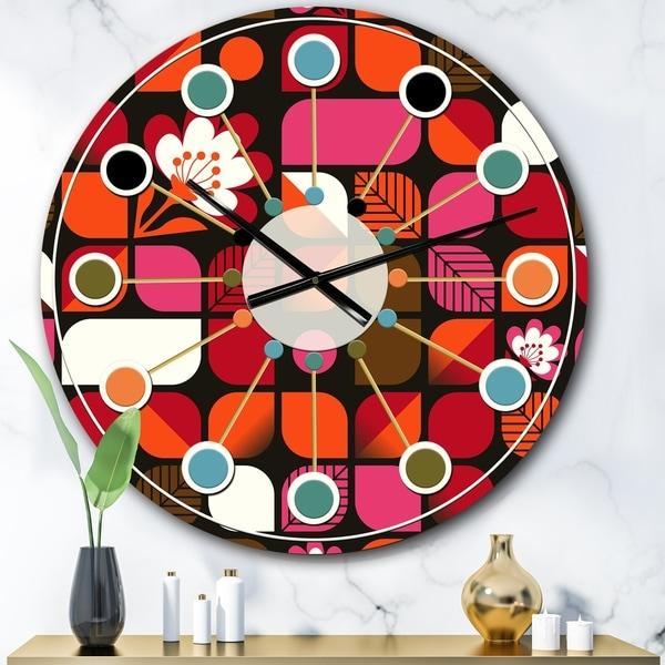 Designart 'Geometric Retro Flower Design I' Mid-Century wall clock