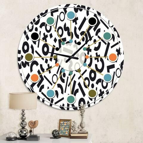 Designart 'Monochrome Geometric Pattern XIII' Mid-Century wall clock