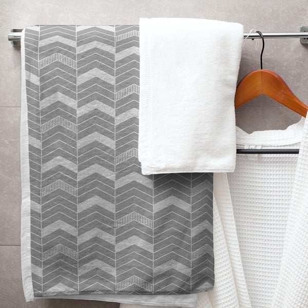 Single Color Lined Chevrons Bath Towel - 30 x 60