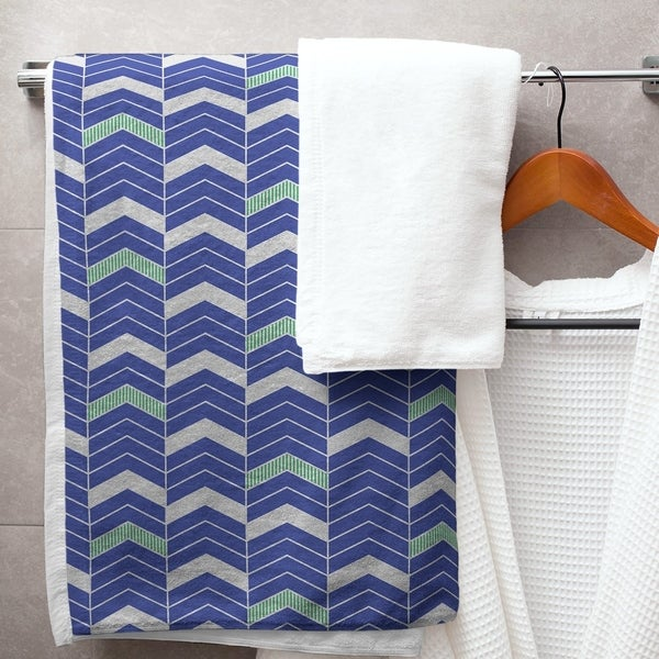 Two Color Lined Chevrons Bath Towel - 30 x 60