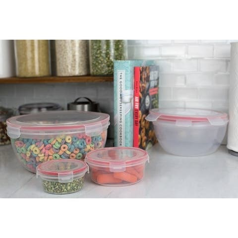 10 Piece Locking Round Plastic Food Storage Containers with Snap-On Lids, Red