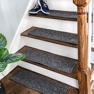 nuLOOM Solid Indoor/Outdoor Oval Braided Stair Treads (Set of 13)