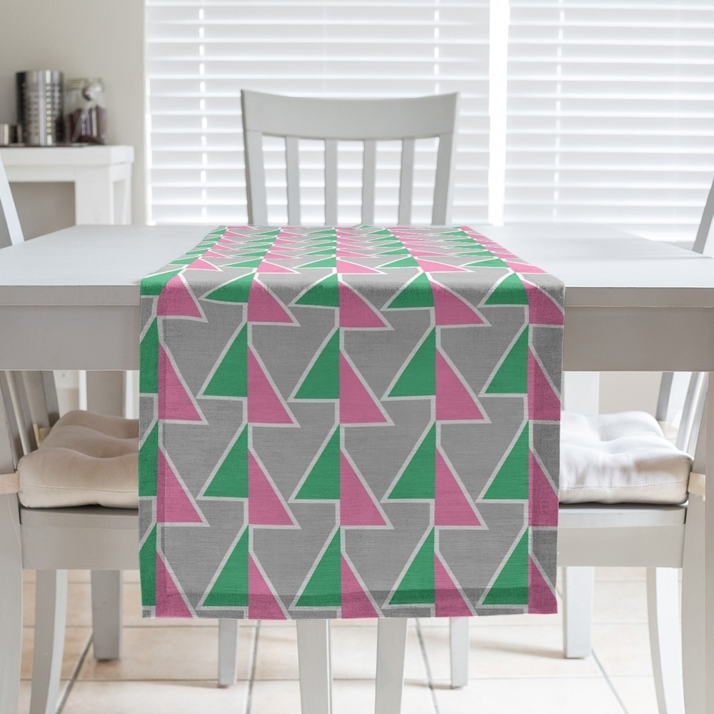Shop Shifted Arrows Pattern Table Runner - Overstock - 28528134