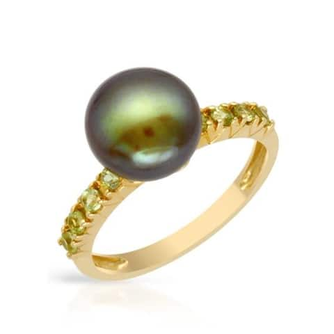 Pearl Lustre Freshwater Pearl and Peridots Yellow Gold Ring Size - 7