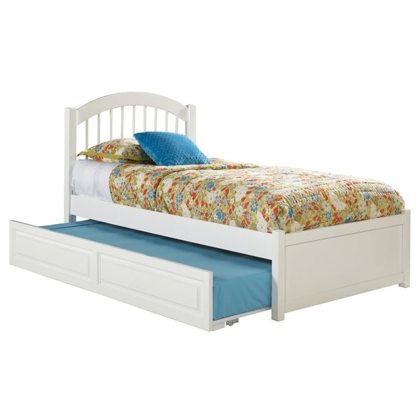 Windsor Full Platform Bed with Flat Panel Footboard and Twin Size Raised Panel Trundle Bed in White