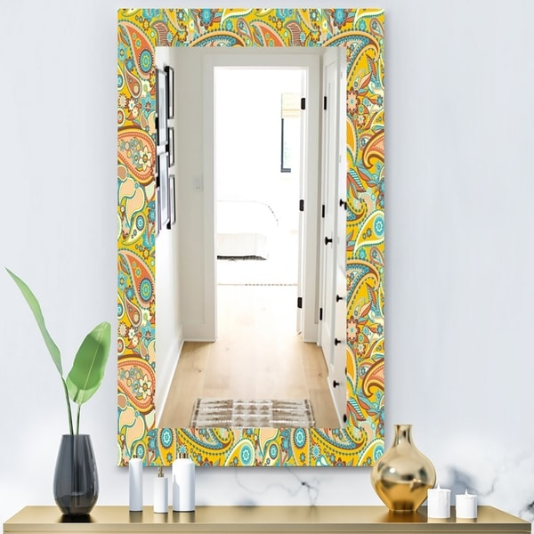 Designart 'Paisley 7' Bohemian and Eclectic Mirror - Wall Mirror - Gold