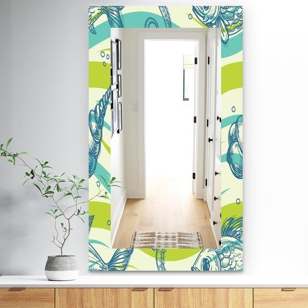 Designart 'Costal Creatures 15' Traditional Mirror - Wall Mirror - Green