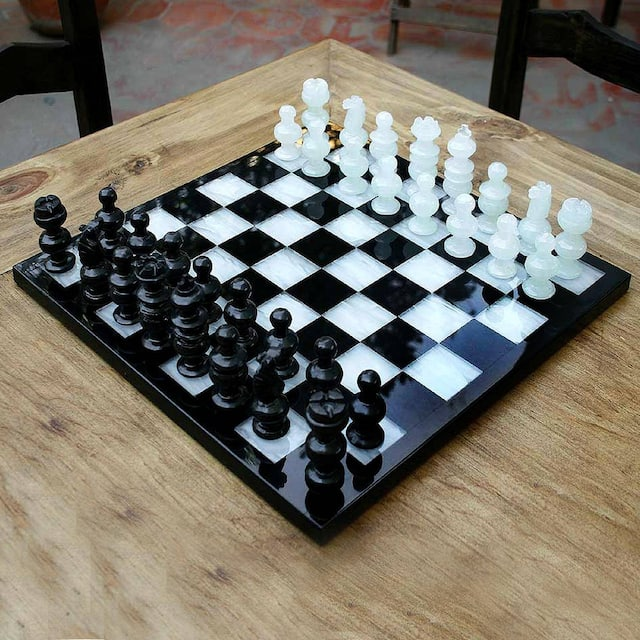 Classic Handmade Onyx/ Marble Decorative Chess Set