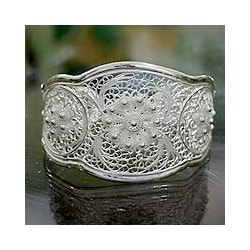 Eve's Garden Romantic Lace-like Floral Vintage Sterling Silver Filigree Wide Cuff Bracelet (Indonesia)