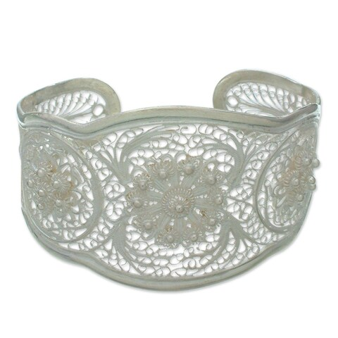 Handmade Eve's Garden Romantic Lace-like Floral Vintage Sterling Silver Filigree Wide Cuff Bracelet (Indonesia)
