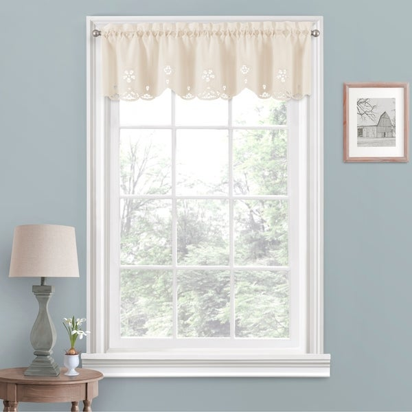 Vue Window Solutions Elaine Valance. Opens flyout.