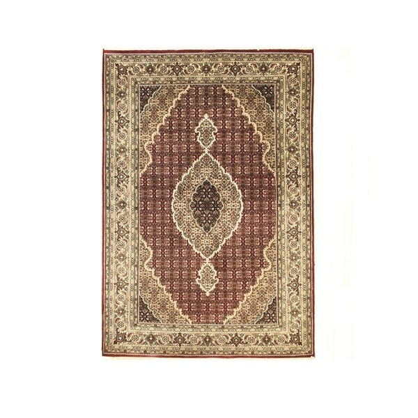 Red Hand-knotted Wool Traditional Mahi Rug - 4' 6 x 6' 6