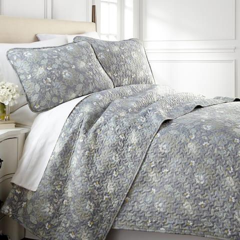 Vilano Ultra-Soft Lightweight Infinite Blossom 3-piece Quilt and Sham Set