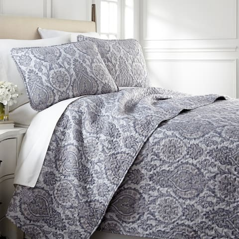 Vilano Ultra-Soft Lightweight Boho Paisley 3-piece Quilt and Sham Set