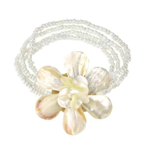 Handmade Elegant White Ocean Flower Natural Seashell and Bead Floral Bracelet (Thailand)