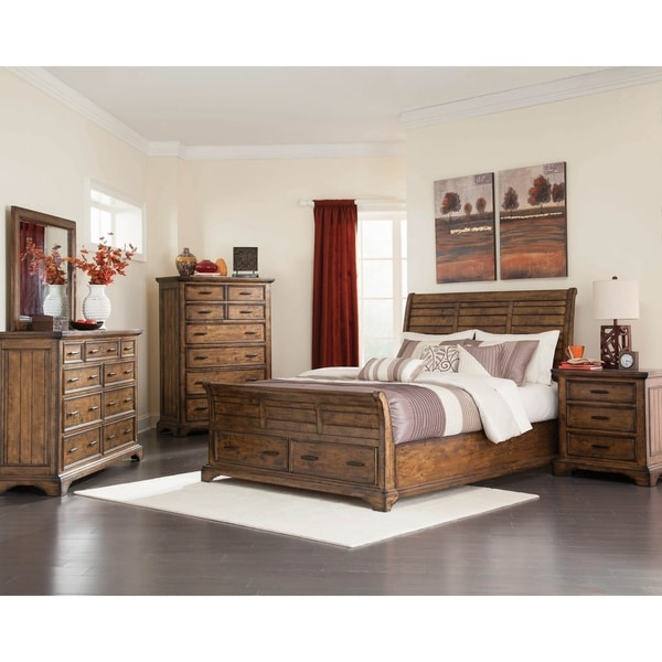 Clydesdale Vintage Bourbon 2-piece Storage Bedroom Set with Chest