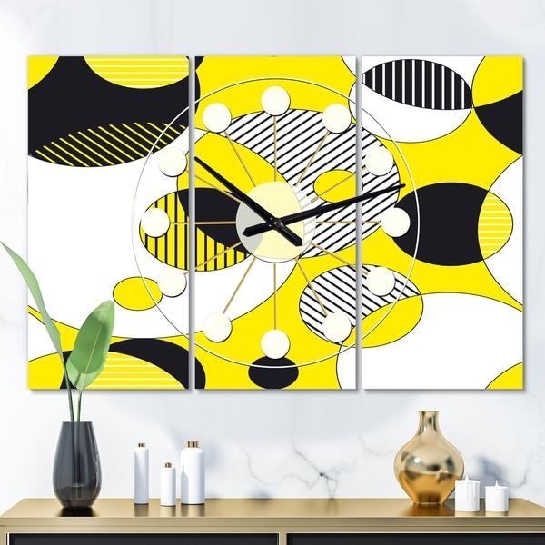 Designart 'Circular Abstract Retro Geometric I' Oversized Mid-Century wall clock - 3 Panels