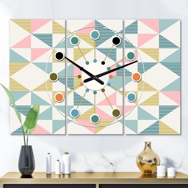 Designart 'Diamond Retro II' Oversized Mid-Century wall clock - 3 Panels - 36 in. wide x 28 in. high - 3 Panels