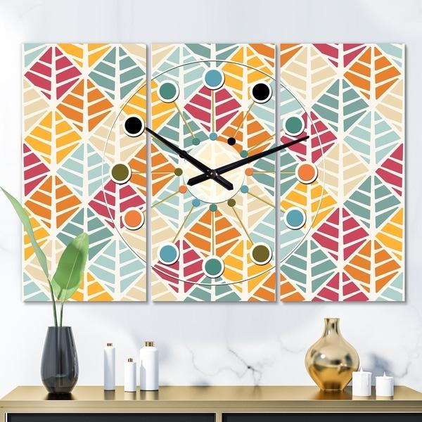 Designart 'Diamond Retro X' Oversized Mid-Century wall clock - 3 Panels - 36 in. wide x 28 in. high - 3 Panels