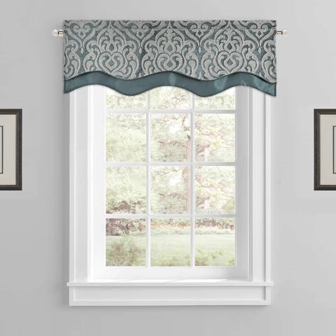 Five Queens Court Sarah Formal Scallop Window Valance