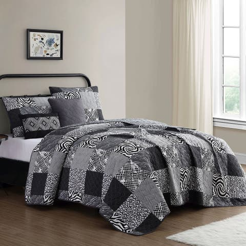Porch & Den Linfield Animal Print Patchwork Quilt Set