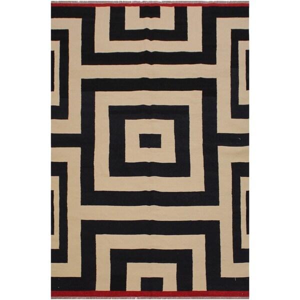 "Sizemore Black/Ivory Hand-Woven Kilim Wool Rug - 5'9 x 8'3 - 5'9"" x 8'3"""
