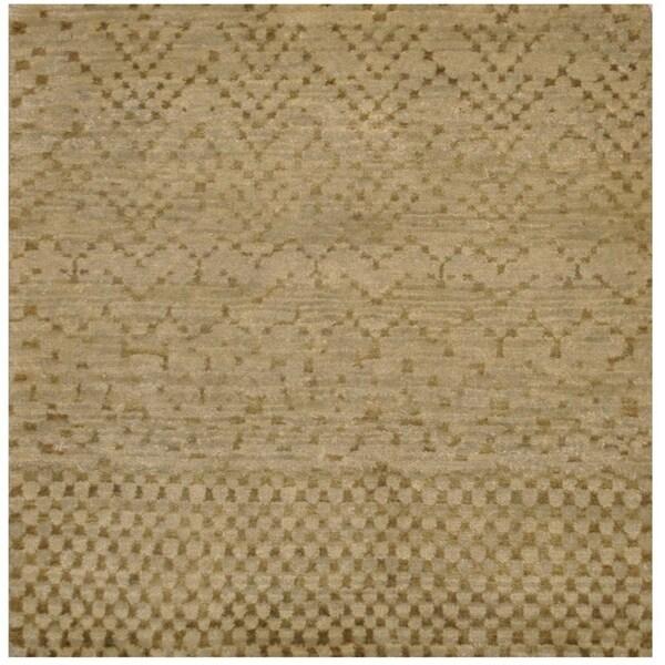 Handmade Tibetan Wool Rug (India) - 2' x 2'. Opens flyout.