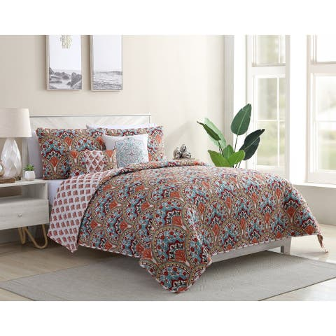 Porch & Den Sarala Reversible Damask Quilt Set