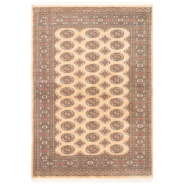 eCarpetGallery Hand-knotted Finest Peshawar Bokhara Cream Wool Rug - 4'1 x 5'10