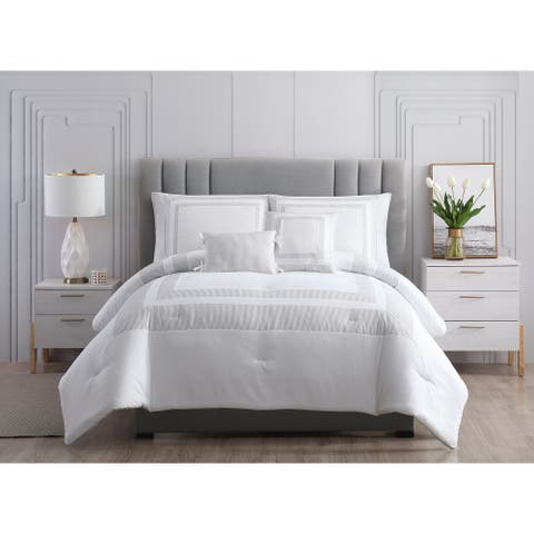 Asher Home Collette Seersucker Hotel Comforter Set
