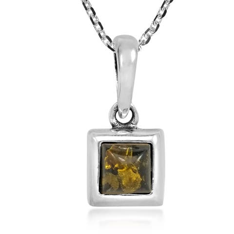 Handmade Classic Square Shaped Frame Green Amber Stone in Sterling Silver Necklace (Thailand)