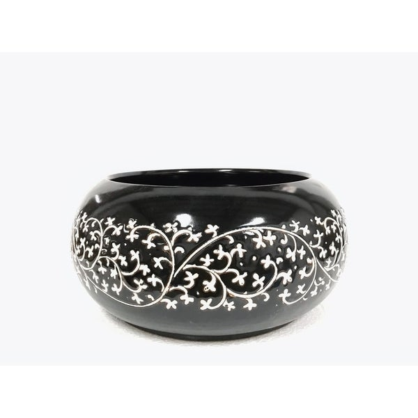 "Handmade 7.5"" Lily's Living Black and White Floral Bowl"