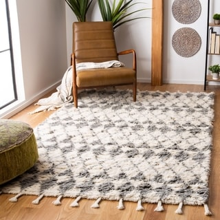 Safavieh Handmade Casablanca Shag Rediona Tribal Wool Rug