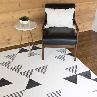 Phoebe Geometric Indoor Area Rug