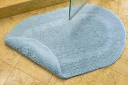 Safavieh Spa Light Blue Reversible 2400-Gram Oval Bath Mats (Set of 2)